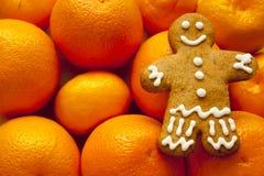 Joyeux Noël ! Bonne année ! Le bonhomme en pain d'épice Image libre de droits