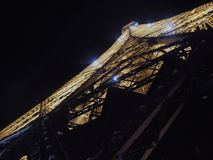 Joyeux Noël, Eiffel dit, avec les étoiles brillantes, Paris, France images stock