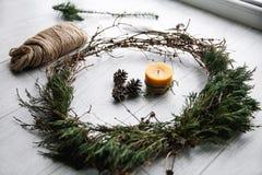 Joyeux Noël Fond de Noël Décoration à la maison, métiers décoration Images stock