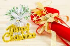 Joyeux Noël sur le fond en bois images stock