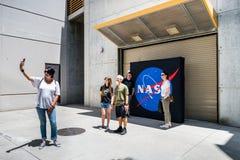 JPL-besök på biljetten för ` A för årlig händelse för ` för öppet hus för ` som undersöker JPL-`, royaltyfri bild