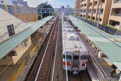 JR Kobe Line en Osaka, Japón Fotos de archivo