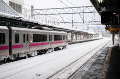 JR train est de commutor de 701 séries à la station de Hirosaki, Aomori, J Image stock