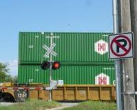 Järnvägkorsning med inget parkeringstecken Royaltyfri Fotografi