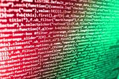 Js en de abstracte achtergrond Programmeringstekst op het donkere scherm Websiteontwikkelaar de bron van PC Gegevensoptimaliserin royalty-vrije stock foto's