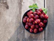 Ju-Li della prugna la frutta è simile alle specie rosse di Luang di divieto Ma il risultato sarà più piccolo immagini stock