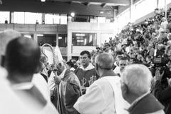 Juan D' Ercole en el entierro para victime del terremoto de Ascoli Piceno, Italia Fotos de archivo