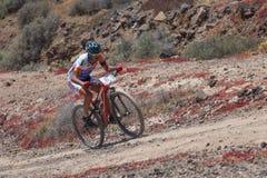 Juan Francisco Gil, N97 in actie bij de fietsmarathon Ultrabike Santa Rosa van de Avonturenberg Stock Foto's