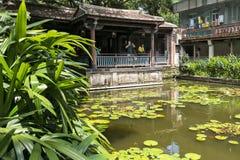 juan Lin ogródu i dworu Rodzinny celowniczy widok, Lili basenu zakończenie w górę widoku Zdjęcie Stock