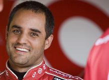 Juan Pablo Montoya in der Garage Stockfotos