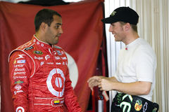 Juan Pablo Montoya talks with Jamie McMurray Stock Photos
