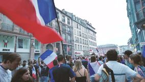 jubelen van verdedigers na de overwinningswereldbeker Rusland stock footage