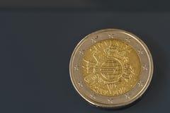 Jubileums- mynt för 2 EUR 10 år av eurovaluta Royaltyfri Fotografi