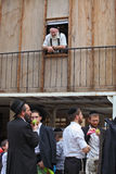 Judíos religiosos jovenes en skullcaps negros Fotos de archivo