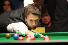 """Judd Trump van het UK in actie tijdens de toernooien""""victoria Bulgarije open† van de Wereldsnooker nov., 2012 in van Sofia,  Stock Fotografie"""