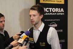 """Judd Trump van het UK in actie tijdens de toernooien""""victoria Bulgarije open† van de Wereldsnooker nov., 2012 in van Sofia,  Royalty-vrije Stock Afbeeldingen"""