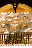 从Judean沙漠,圣乔治修道院阳台的看法旱谷的Qelt 库存图片