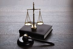 Judge gavel and scales Royalty Free Stock Photos