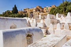 Judisk kyrkogård i Fes Medina, Marocko royaltyfri foto