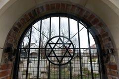 Judisk kyrkogård i Krakow David& x27; s-stjärna royaltyfri fotografi