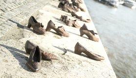 Judiska skor som är minnes- i Budapest Royaltyfria Bilder