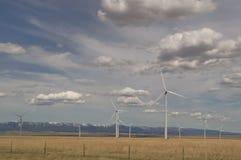 Judith Gap Windmills under molniga himlar Arkivfoton