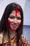 Juego bermellón (khela de Sindur) durante puja del durga Fotos de archivo
