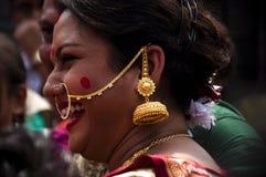 Juego bermellón (khela de Sindur) durante puja del durga Fotos de archivo libres de regalías