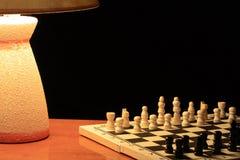 Juego de ajedrez de la noche Fotos de archivo libres de regalías