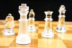 Juego de ajedrez - foco en el rey imagen de archivo libre de regalías