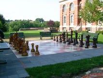 Juego de ajedrez gigante imagenes de archivo