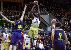 Juego de baloncesto de Euroleague Budivelnik Kyiv contra el FC Barcelona Fotos de archivo