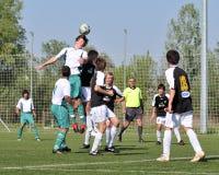 Juego de fútbol de Kaposvar - de Szekszard U15 Imagen de archivo libre de regalías