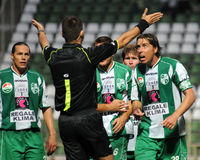 Juego de fútbol de Kaposvar-Debrecen Foto de archivo libre de regalías