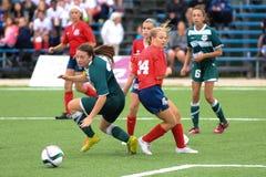 Juego de fútbol de las mujeres Imagen de archivo