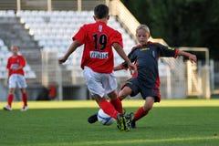 Juego de fútbol de Tuzla-munkachevo Fotos de archivo