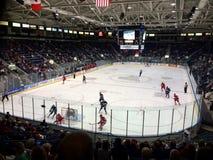 Juego de hockey de la universidad Imágenes de archivo libres de regalías