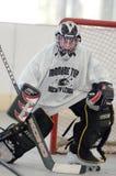 Juego de hockey del rodillo de la juventud Fotos de archivo libres de regalías
