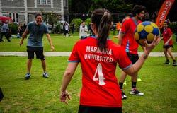 Juego de Korfball en festival de los deportes Foto de archivo libre de regalías