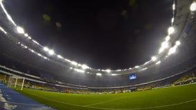 Juego de la liga del Europa de la UEFA entre el FC Dynamo Kyiv y el Rapid Wien almacen de video