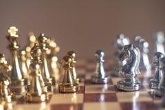 Juego de mesa del ajedrez, concepto competitivo del negocio imágenes de archivo libres de regalías