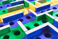juego de mesa plástico coloreado laberinto 3D imagen de archivo