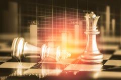 Juego de negocio en el mercado de acción digital financiero y el backgr del ajedrez Imagen de archivo