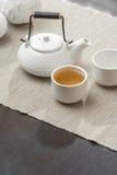 Juego de té en el salón hermoso Foto de archivo libre de regalías