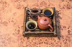 Juego de té en una bandeja 2 de bambú Foto de archivo libre de regalías