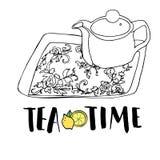 Juego de té, tetera y bandeja de té dibujados mano gráfica con el ornamento floral Fotos de archivo libres de regalías