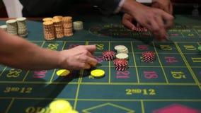 Juego de tabla en un casino almacen de video