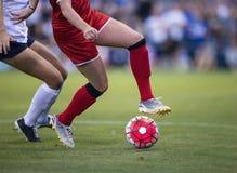 Juego del fútbol de las mujeres Fotografía de archivo libre de regalías