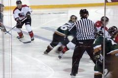 Juego del hockey sobre hielo Imágenes de archivo libres de regalías