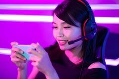 Juego del teléfono del juego del videojugador de Cybersport fotografía de archivo